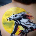 tatoo homme loup min